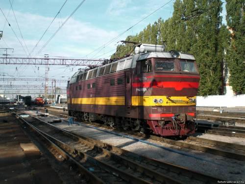Электровоз ЧС4Т-715.